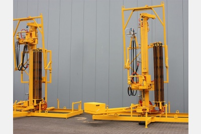 cd-690-drill-rigs-cleaning.jpg